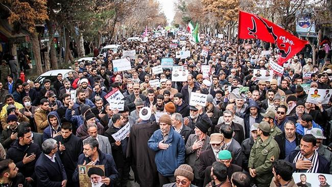 Iranians rally against violence in Bojnourd, January 3, 2018.