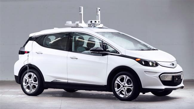 General Motors says it has asked the federal government to allow testing its first batch of driverless cars on roads.